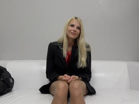 Милашка проходит порно кастинг фото 75-567
