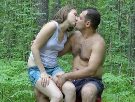 foto-prosto-porno-na-ulitse-russkoe-zhenskih-genitaliyah-minet