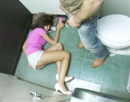 Красивые девушки смотреть онлайн развели пьяную девку шлюхи трахнулись парнем
