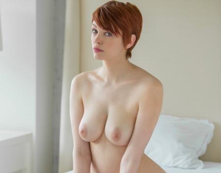 Порно с красавицей большая грудь