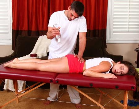 Девушку массажем довели до оргазма 62