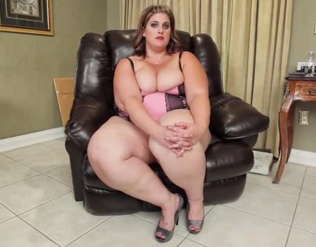 Толстушке снится секс