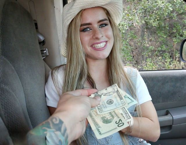 Порно стеснительной девушке нужны деньги — pic 10