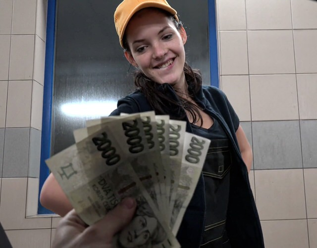 Развели на секс за деньги россия, двойное проникновение в одну девушку порно видео