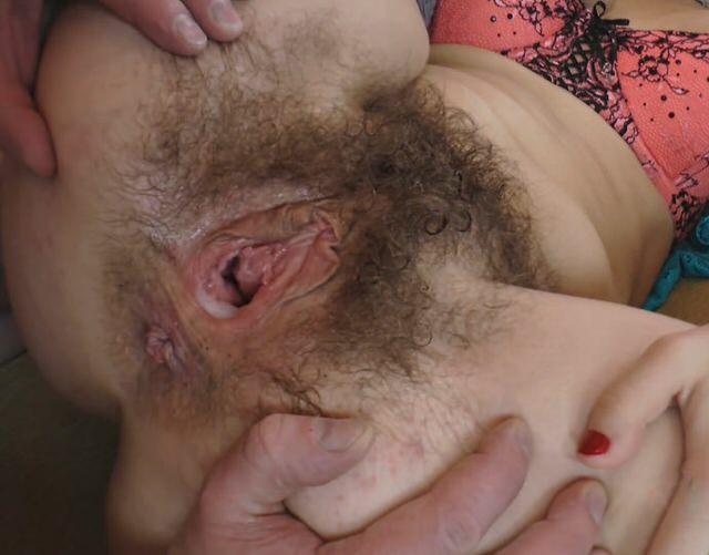Ебут баб с волосатой пиздой раком, полицейский акаме тема видео