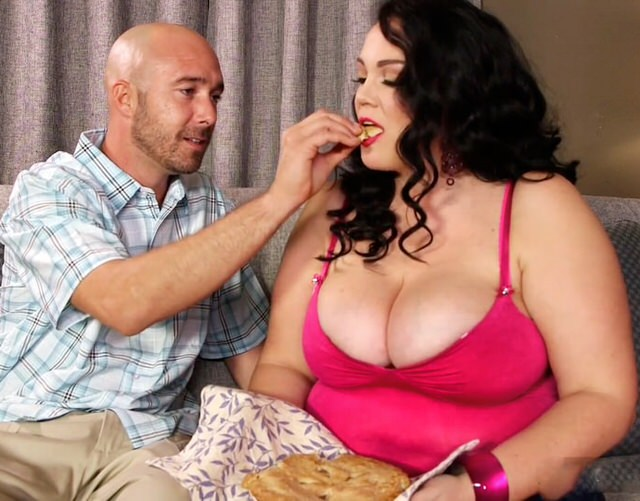 Секс с стеснительной толстушкой, голые связанные с заклеенным ртом телки