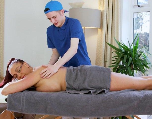 большие попы секс массаж видео