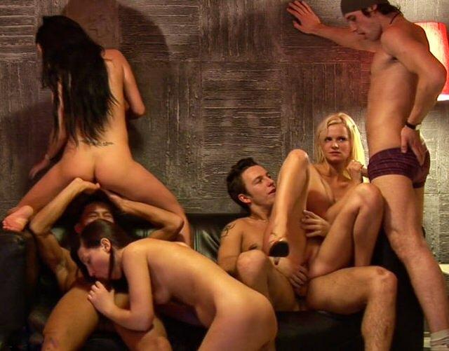 Секс на вчеринке