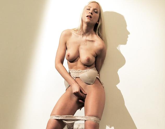 считаю, что правы. русское частное порно жена сосет другому а смотрю фото смотрю все восторженные