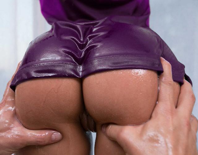 Девушек попки супер, интересное порно мамки между ног под столом смотреть онлайн