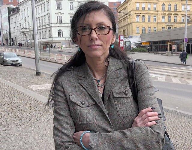 Порно чешское на улицах