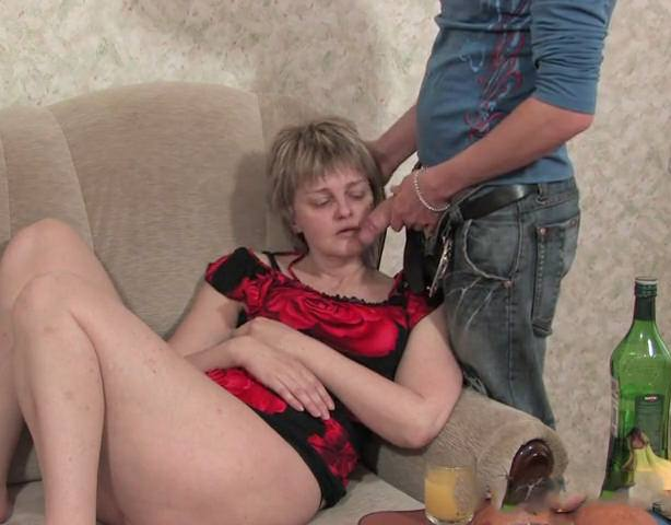 Сын Раздел Пьяную Маму И Трахнул Порно