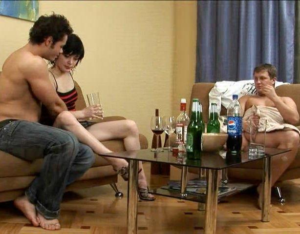 Ебут русских красоток пьяных в стельку — photo 10