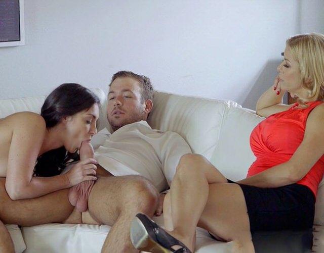 Мама разрешила дочьке трахатся с дедушкой порно онлайн