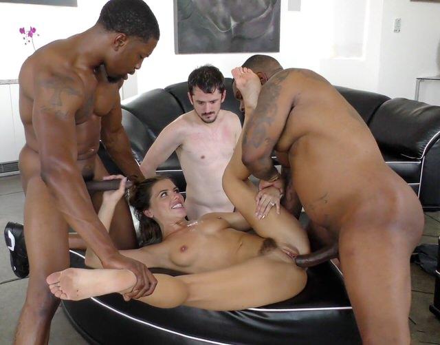 Женушки с двумя порно мир, голых парней спортсменов