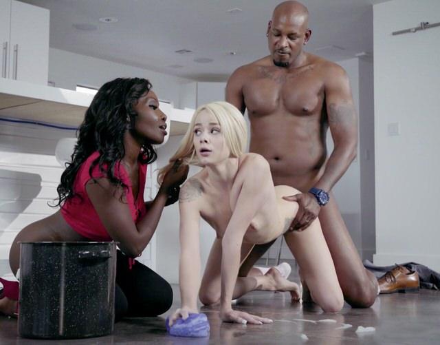 Порно пока жена в ванной муж с горничной #3