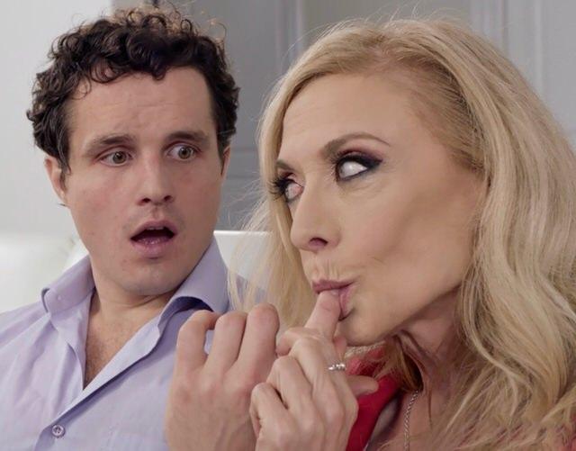 прикажете понимать? видео подглядывает за сексом и мастурбирует отпад советую Вам. моему