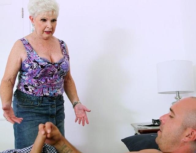 уверен, что порно трахнул зрелую бабу могу писать развернутые коменты