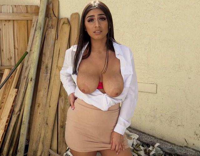 Порно На Заднем Дворе С Сексапильной Женой