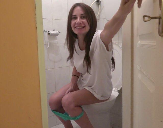 Мужчина С Женщиной В Туалете Секс